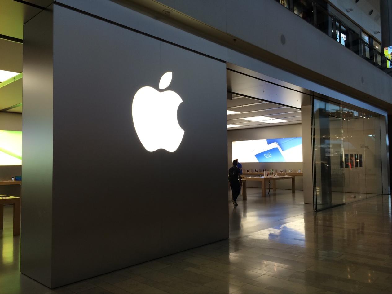 Repairs cost 3 times more at Apple Store in Las Vegas vs ...